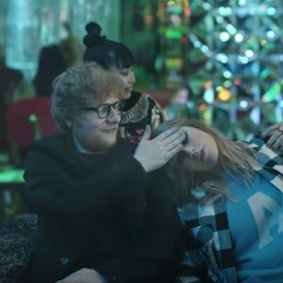 Ed Sheeran sẽ giúp Taylor Swift vực lại danh tiếng của